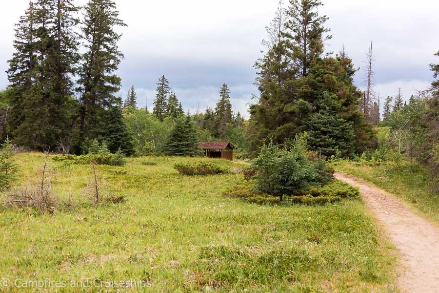 spirit sands at spruce woods provincial park shelter in the distance